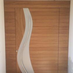 Pivot Door With Horizontal Rampote